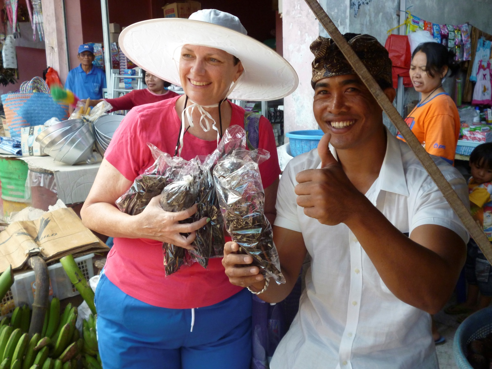 Buying spices at the local market – like vanilla beans!!